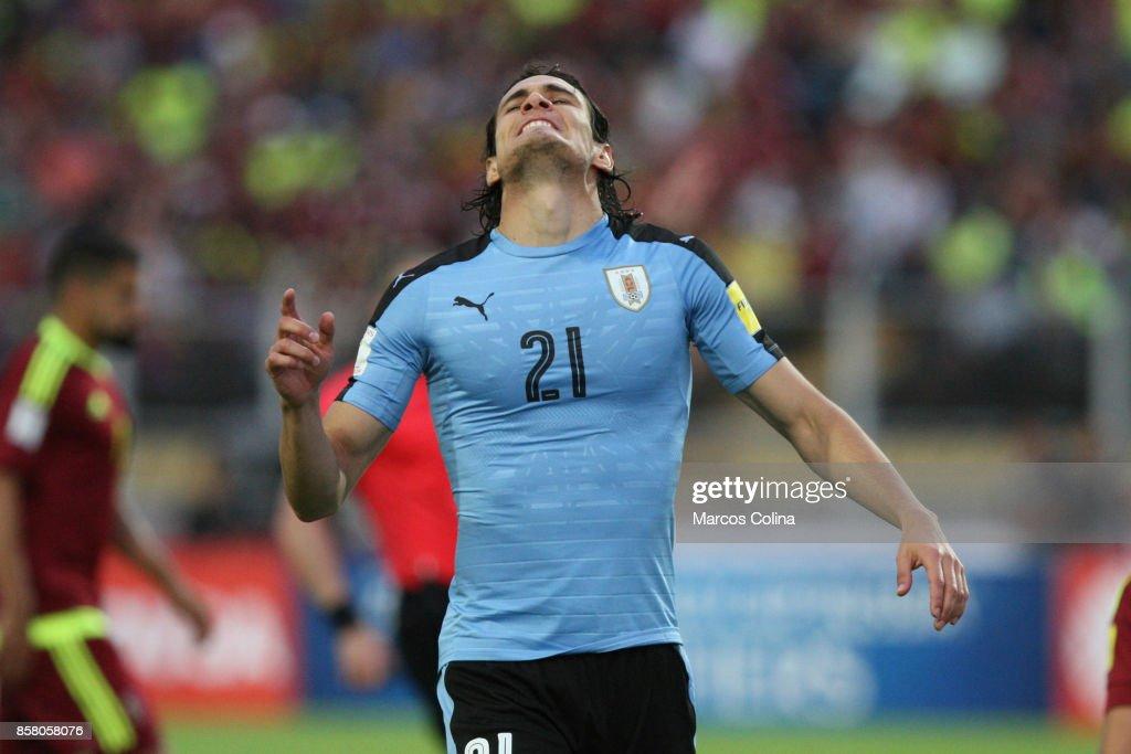 Edinson Cavani of Uruguay reacts during a match between Venezuela and Uruguay as part of FIFA 2018 World Cup Qualifiers at Pueblo Nuevo Stadium on October 05, 2017 in San Cristobal, Venezuela.
