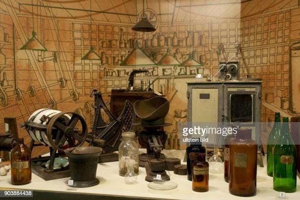 Edison and Ford Winter Estates AMERIKA USA FLORIDA FORT MYERS 102010 Das Museum enthaelt hunderte von Erfindungen von EdisonEdisons grundlegende...