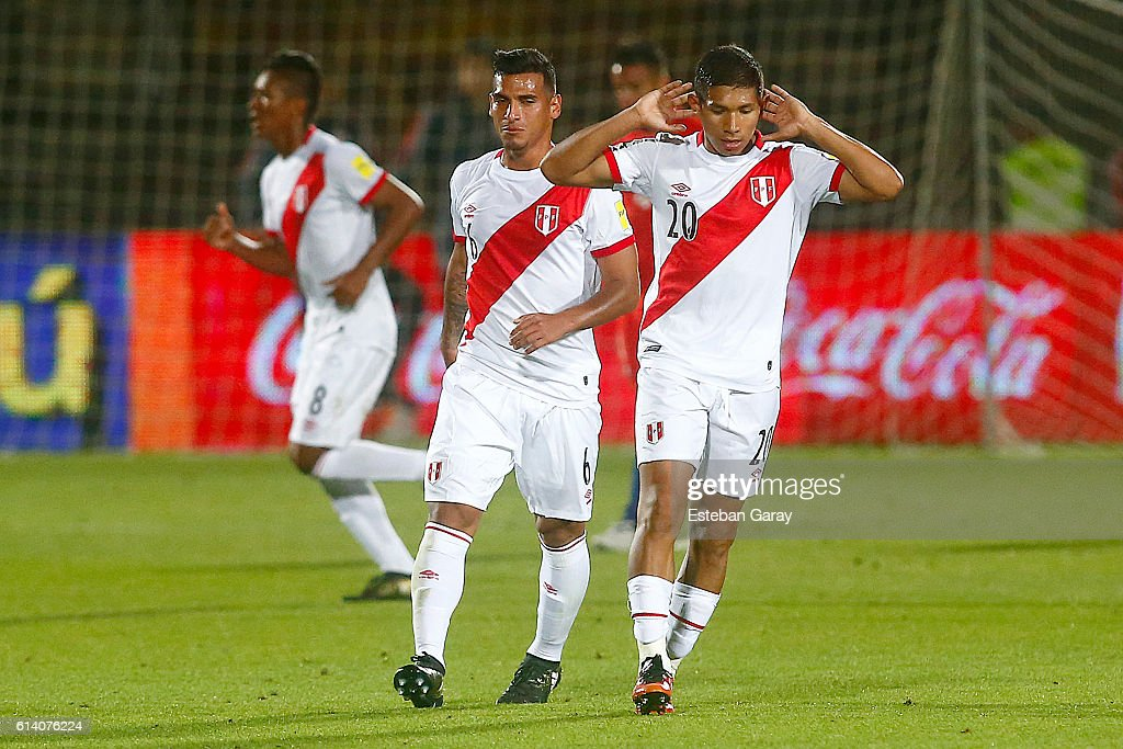 Chile v Peru - FIFA 2018 World Cup Qualifiers