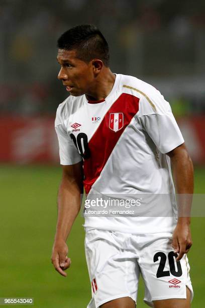 Edison Flores of Peru gestures during the international friendly match between Peru and Scotland at Estadio Nacional de Lima on May 29 2018 in Lima...