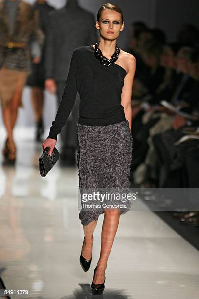 Edita Vilkeviciute walks the runway wearing the Michael Kors Fall 2009 during Mercedes-Benz Fashion Week at The Tent in Bryant Park on February 18,...