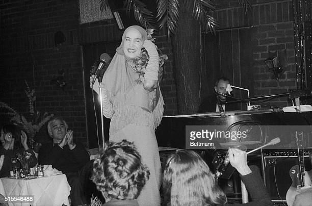 Edith Bouvier Beale sings during her debut at Reno Sweeney a Greenwich Village nightspot She opened a sixday engagement A few years ago Miss Beale...