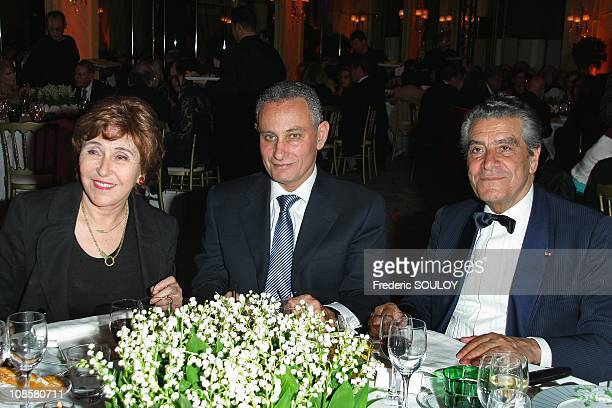 Edith Cresson Egyptian Ambassador to France Nasser Ahmed Kamel and Prosper Amouyal at the Pre Catelan in Paris France on May 06 2009