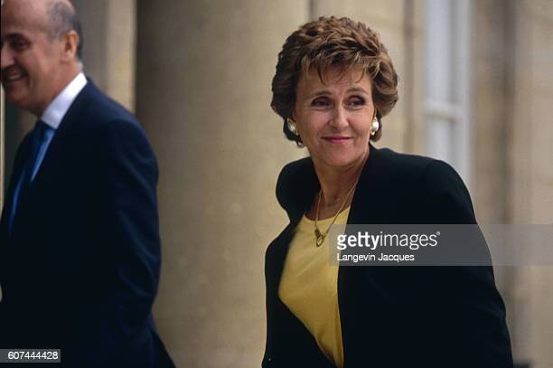 Edith Cresson enters the Elysee for her first office day as France's Prime Minister
