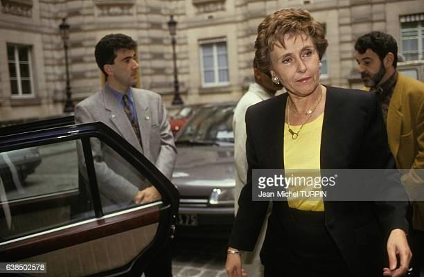 Edith Cresson premier ministre français arrivant à Matignon le 16 mai 1991 à Paris France