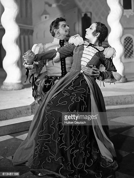 Edith Evans and Leslie Banks in a scene from Shakespeare's The Taming of the Shrew at the New Theatre 1937