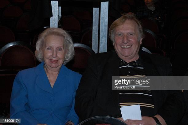 Edith Hancke Ehemann Klaus Sonnenschein Empfang zur BuchVorstellung Nur der Augenblick zählt von L i l o P f i t z m a n n über ihren verstorbenen...