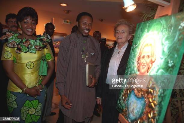 Edith Lucie Bongo and Bernadette Chirac arriving at the Meridien Hotel where an artist painted a portrait of Mrs Chirac