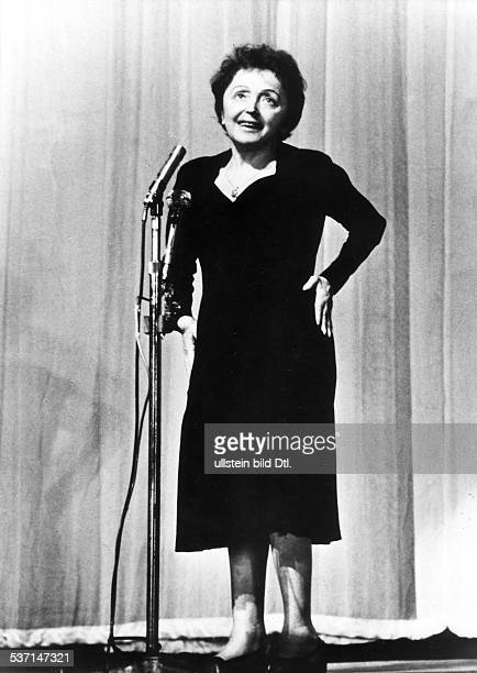 Edith Piaf Cabaret singer France performing in the Paris Olympia 1961