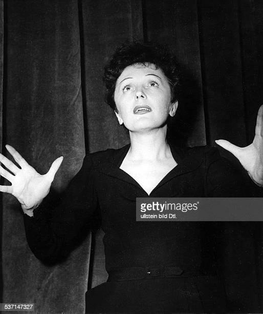 Edith Piaf Cabaret singer France