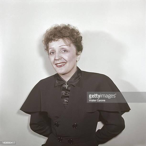Edith Piaf Paris avril 1950 portrait souriant d'Edith PIAF