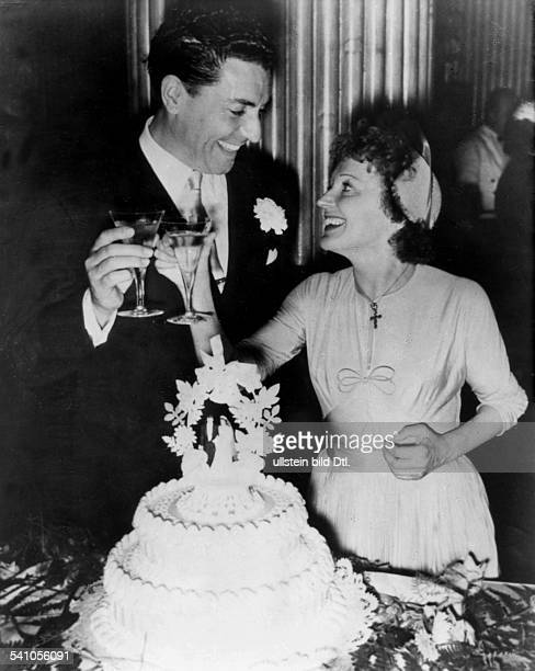 Edith Piaf*Cabaret singer Franceat the wedding with her first husband French singer Jacques Pills