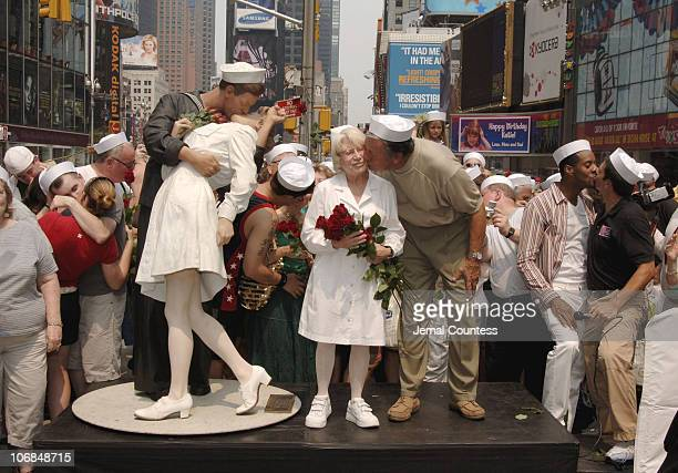 Edith Shain and Carl Muscarello the couple that appeared in Alfred Eisenstaedt's iconic photo The Kiss appear in New York City's Times Square to...
