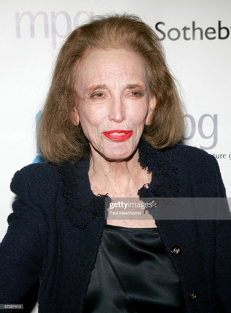Editor Helen Gurley Brown attends an auction of photographer Francesco Scavullo's work benefiting Fountain House at Sotheby's April 4, 2006 in New York City.