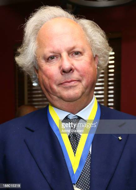 Editor of Vanity Fair Graydon Carter attends The Deadline Club's New York Journalism Hall of Fame 2013 Luncheon at Sardi's on November 14 2013 in New...