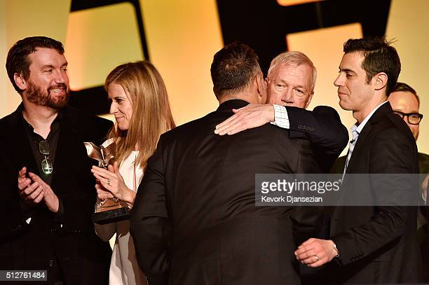 Editor Tom McArdle producer Blye Pagon Faust producer Michael Sugar reporter Walter V Robinson and screenwriter Josh Singer winners of the Best...