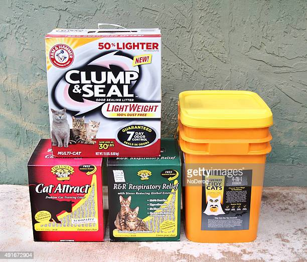 editorial product shot of cat litter products - litter box stock photos and pictures