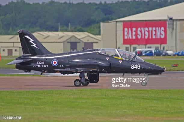 editorial use – bae hawk t.1 - 英国海軍 ストックフォトと画像