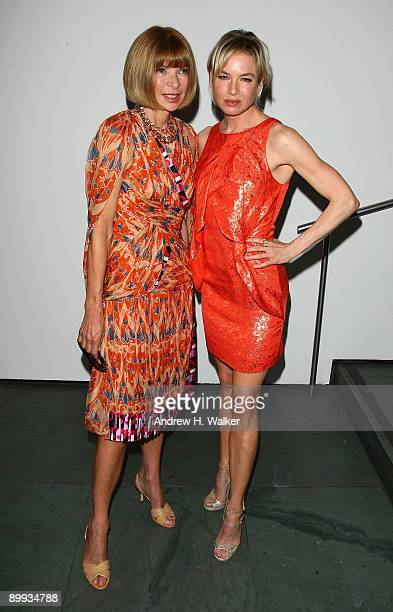 Editorinchief of American Vogue Anna Wintour and actress Renee Zellweger attend the New York special screening of The September Issue at The Museum...