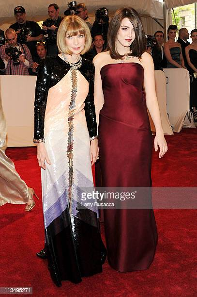 Editorinchief of American Vogue Anna Wintour and Bee Shaffer attend the Alexander McQueen Savage Beauty Costume Institute Gala at The Metropolitan...