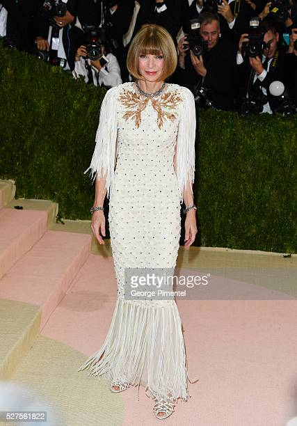 Editorinchief of American Vogue Anna Wintour attends the 'Manus x Machina Fashion in an Age of Technology' Costume Institute Gala at the Metropolitan...