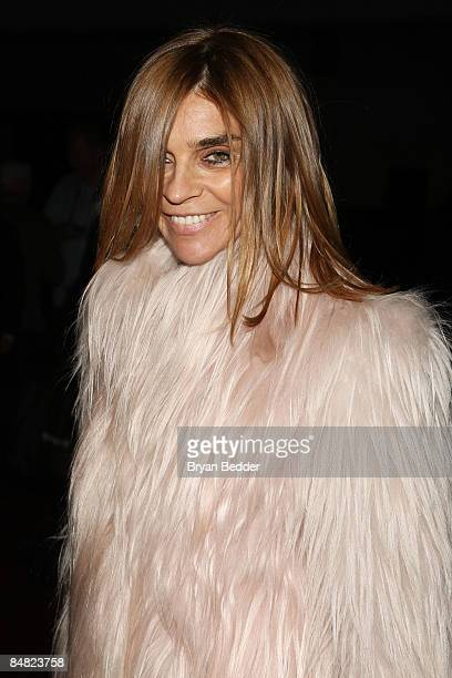 EditorinChief of French Vogue Carine Roitfeld attends the Marc Jacobs Fall 2009 fashion show during MercedesBenz Fashion Week at the NY State Armory...