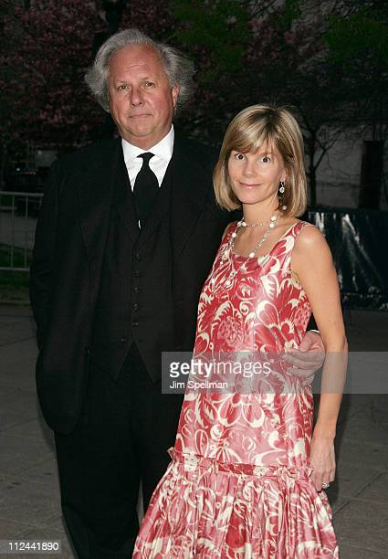 EditorInChief of Vanity Fair Graydon Carter and Anna Carter arrive at the 7th Annual Tribeca Film Festival Vanity Fair Party at the State Supreme...