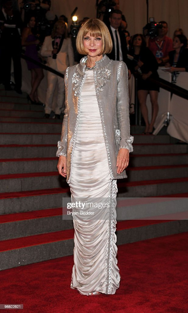 Editor-in-Chief of Vogue Anna Wintour attends the Metropolitan Museum of Art's 2010 Costume Institute Ball at The Metropolitan Museum of Art on May 3, 2010 in New York City.
