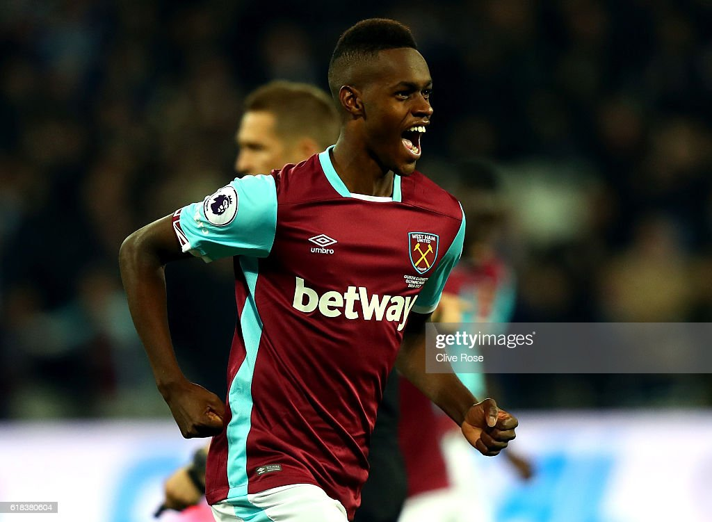 Edmilson Fernandes of West Ham United celebrates scoring his sides second goal during the EFL Cup fourth round match between West Ham United and Chelsea at The London Stadium on October 26, 2016 in London, England.