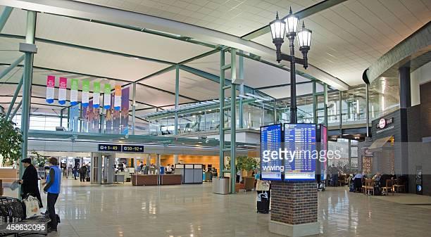 edmonton airport gates - edmonton stock pictures, royalty-free photos & images