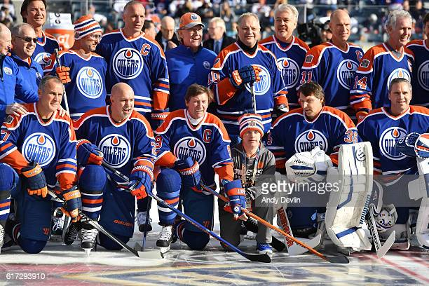 Edmonton Oilers alumni pose for a photo in advance of the 2016 Tim Hortons NHL Heritage Classic alumni game at Investors Group Field on October 22...