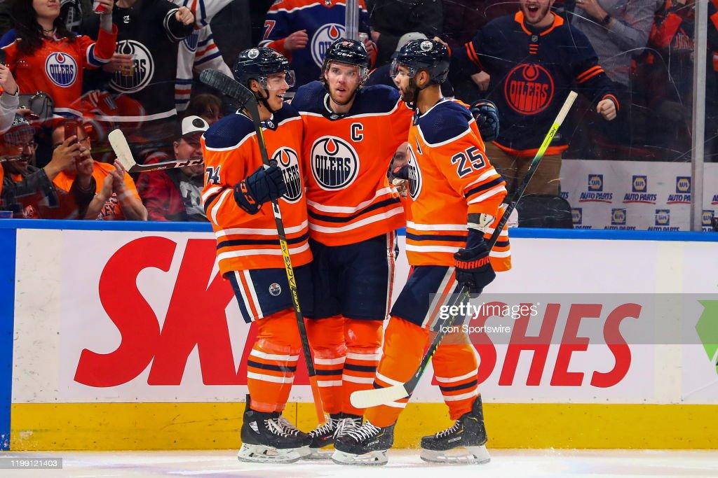 NHL: FEB 06 Sharks at Oilers : News Photo