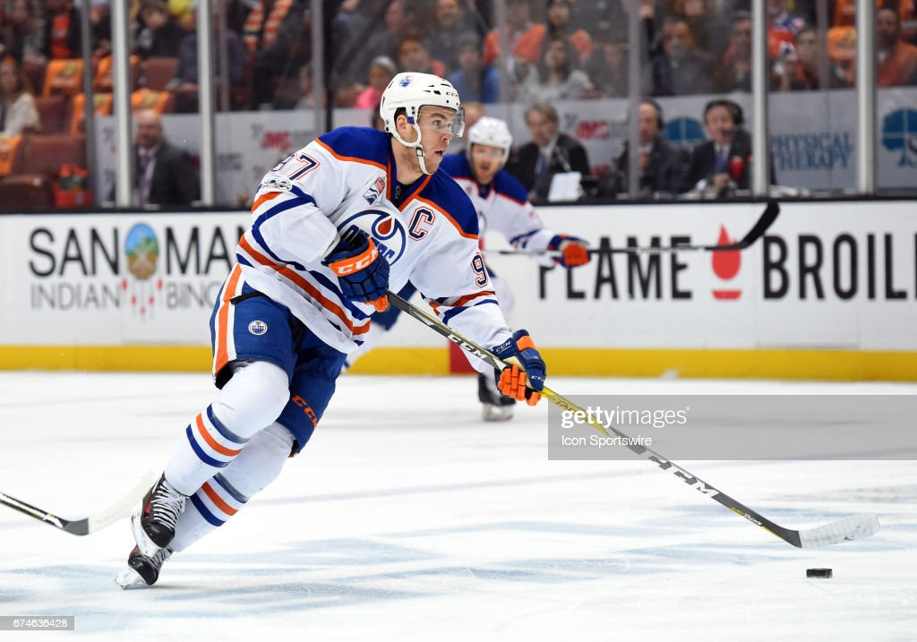 NHL: APR 28 2nd Round Game 2 - Oilers at Ducks : News Photo