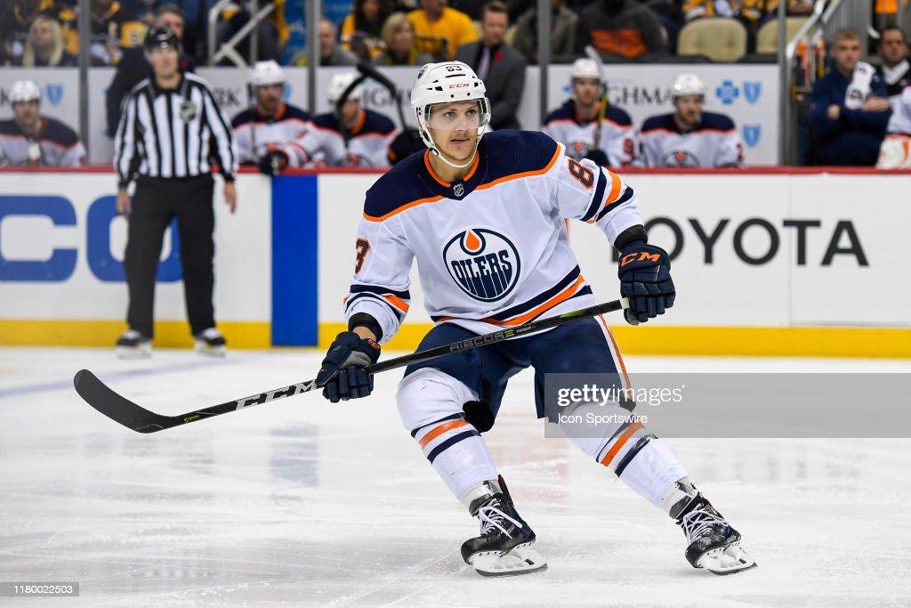 NHL: NOV 02 Oilers at Penguins : News Photo