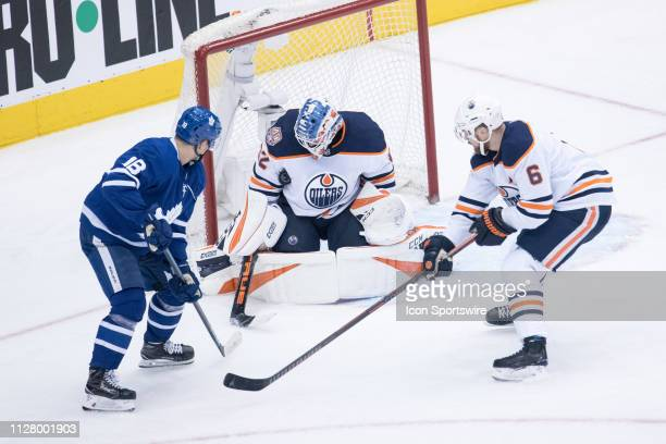 Edmonton Oilers Goalie Anthony Stolarz makes a save during the third period of the NHL regular season game between the Edmonton Oilers and the...