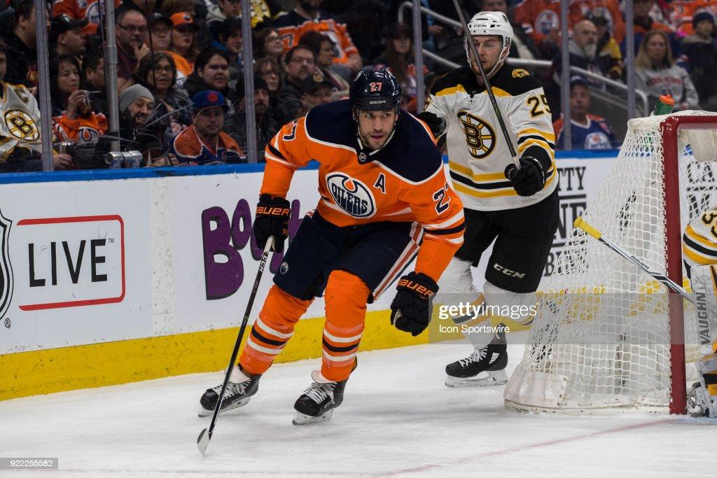 NHL: FEB 20 Bruins at Oilers : News Photo