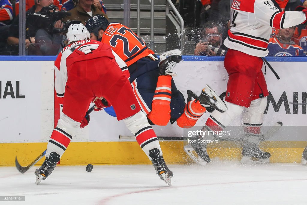 NHL: OCT 17 Hurricanes at Oilers : News Photo