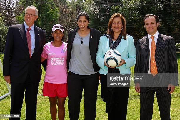 Edmund Duckwitz German ambassador in Mexico Steffi Jones Organising Committee President's Cup Women's World Cup 2011 Margarita Zavala first lady of...