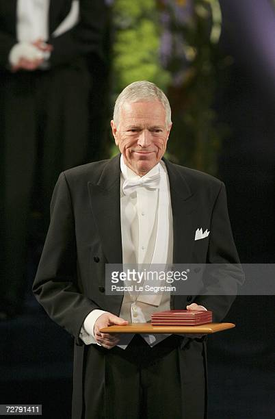 Edmund S. Phelps of United States aknowledges fellow Nobel Laureates applause after receiving the Sveriges Riksbank Prize in Economic Sciences in...