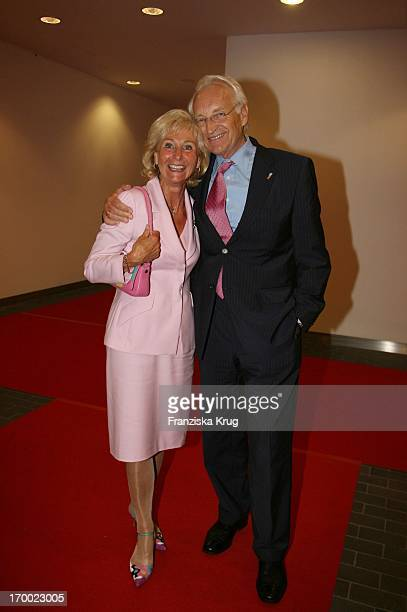 Edmund Stoiber and his wife Karin at the BILD summer festival in the Axel Springer publishing house in Berlin