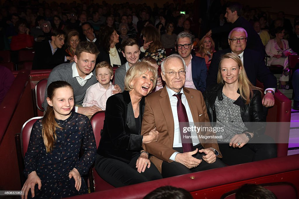 Edmund Stoiber with his family during the 'Circus Krone Christmas Show 2014' at Circus Krone on December 25, 2014 in Munich, Germany.