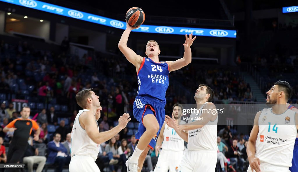 Edo Muric, #24 of Anadolu Efes Istanbul in action during the 2017/2018 Turkish Airlines EuroLeague Regular Season Round 1 game between Anadolu Efes Istanbul v Real Madrid at Sinan Erdem Dome on October 12, 2017 in Istanbul, Turkey.
