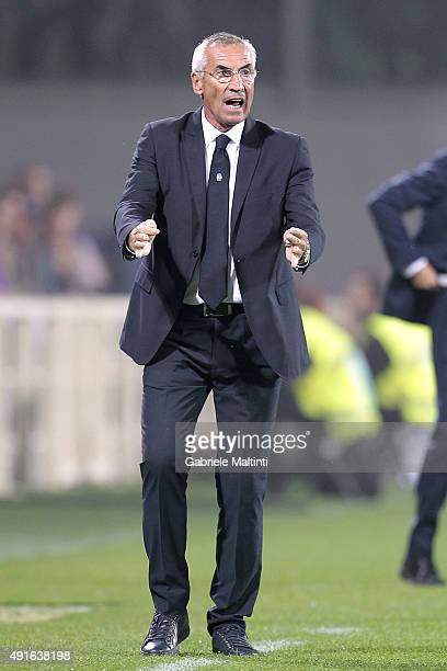Edoardo Reja manager of Atalanta BC gestures during the Serie A match between ACF Fiorentina and Atalanta BC at Stadio Artemio Franchi on October 4...