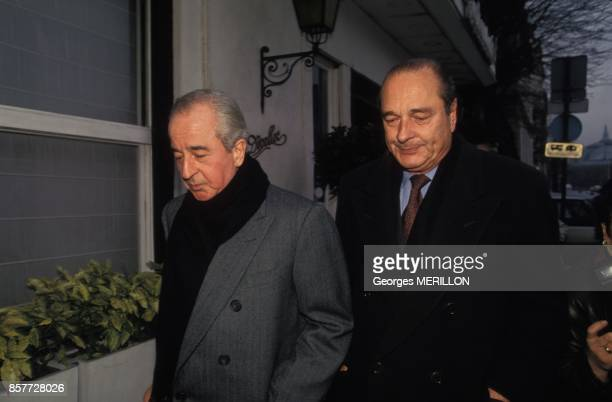 Edouard Balladur Premier ministre et Jacques Chirac devant le restaurant Le Divellec le 2 decembre 1993 a Paris France