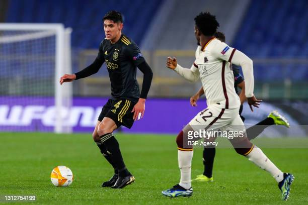 Edson Alvarez of Ajax and Amadou Diawara of AS Roma during the UEFA Europa League Quarter Final: Leg Two match between AS Roma and Ajax at Stadio...
