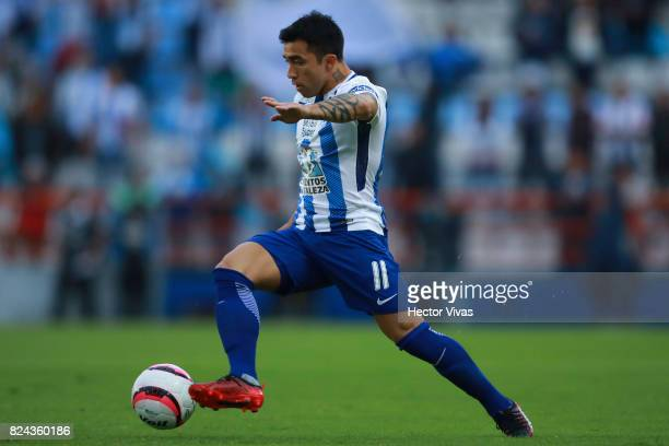Edson Puch of Pachuca drives the ball during the 2nd round match between Pachuca and America as part of the Torneo Apertura 2017 Liga MX at Hidalgo...