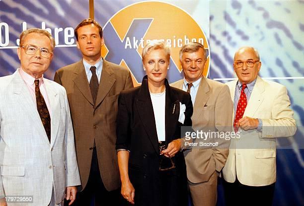 """Eduard Zimmermann, Dr. Butz Peters, Sabine;Zimmermann , Peter Nidetzky;und Konrad Toenz, ZDF/ORF/SF/DRS-Reihe;""""Aktenzeichen XY; ungelöst"""" 300...."""
