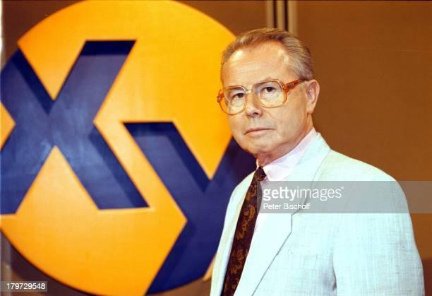"""Eduard Zimmermann, ZDF/ORF/SF/DRS-Reihe;""""Aktenzeichen XY; ungelöst"""" 300. Sendung;1997,"""