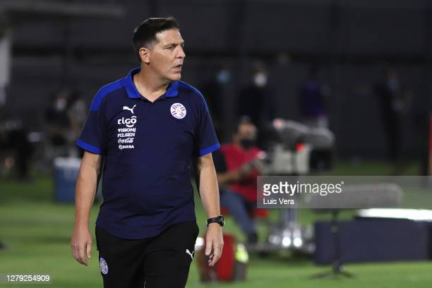 Eduardo Berizzo head coach of Paraguay looks on during a match between Paraguay and Peru as part of South American Qualifiers for Qatar 2022 at...