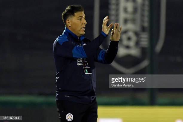 Eduardo Berizzo head coach of Paraguay reacts during a match between Uruguay and Paraguay as part of South American Qualifiers for Qatar 2022 at...